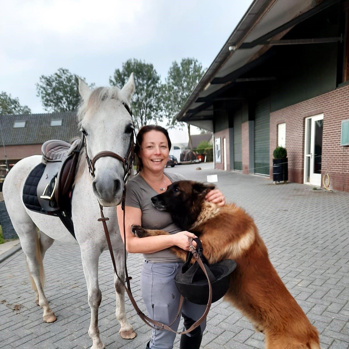 Angela van Kooten